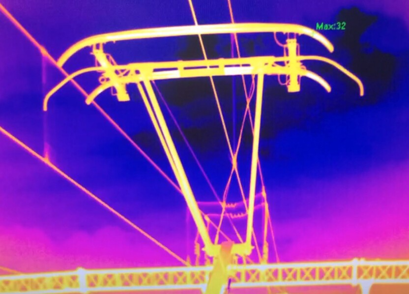 铁路弓网.jpg
